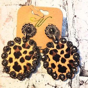 Jewelry - Wooden leopard print lightweight earrings